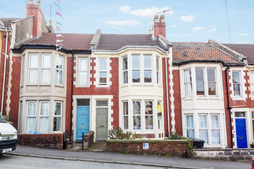 3 bedrooms Leighton Road
