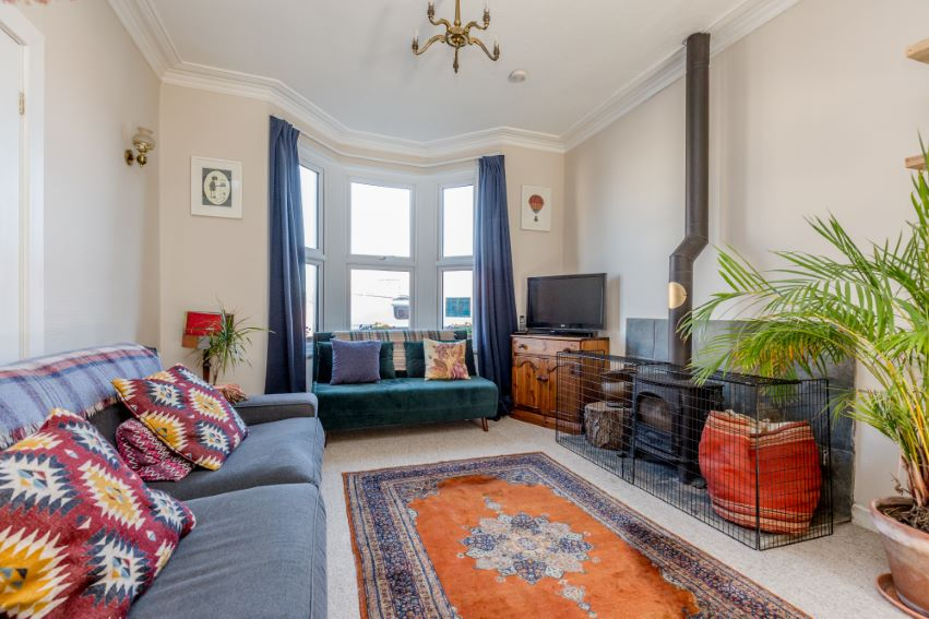 3 bedrooms Luckwell Road